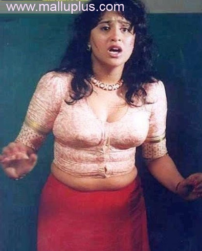 Hot Tamil Actress In Blouse 76