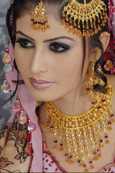 Pakistani Bridals Bright Arrival 4 - makeup of the day 6th july...