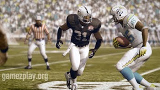 madden 10 american football pleyers on the field during play