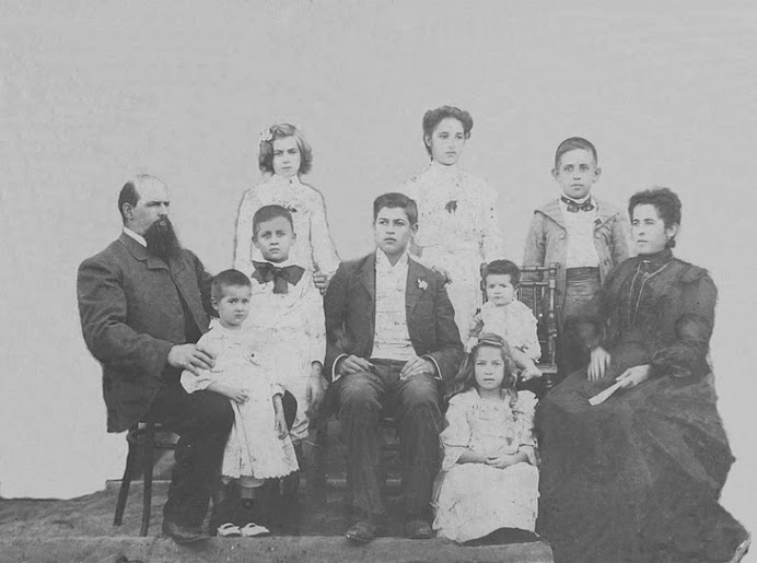 FAMILIA CALERO