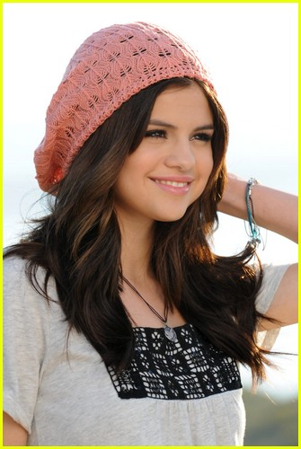 Selena Gomez Dream Out Loud Clothes. Selena Gomez Spring Dream Out