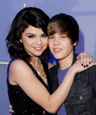 Selena Gomez reportedly spent Thanksgiving with Justin Bieber.