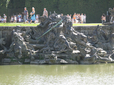 Fountain-of-Neptune-Gardens-of-Chateau-de-Versailles-Palace-of-Versailles-France-travel