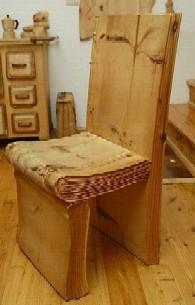 Cadeiras e cadeirões; estufados ou todos em madeira...