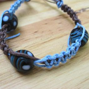 How to Make Chinese Knot Jewelry: Flat Knot