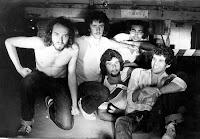 Acidente em 1981 era Paulo Malária, Helio Jenné, Zeca Pereira, Fernando Sá e Guto Rolim: rock independente deflagra Guerra Civil