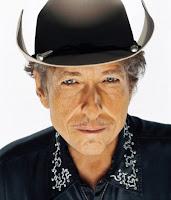 Bob Dylan aos 68 anos e lança disco novo