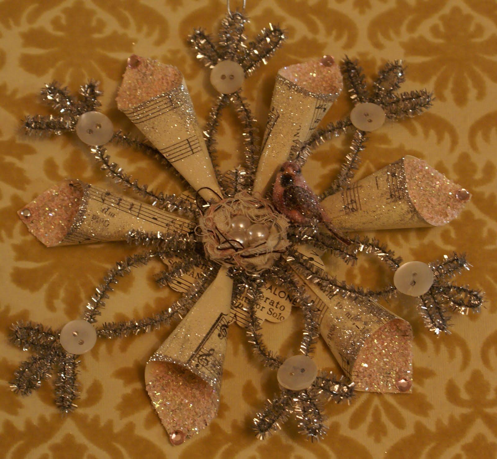 Креативная елка из подручных материалов своими руками