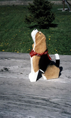 beagle puppies statue
