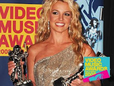 Britney SWEEPS the VMA's!