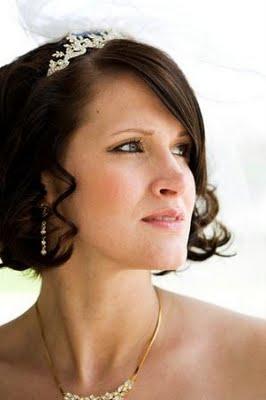 las novias con el cabello corto tambin pueden lucir preciosas porque para ellas tambin hay romnticos y modernos peinados ya sea que tengan el cabello