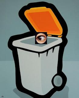 cubo de basura espía