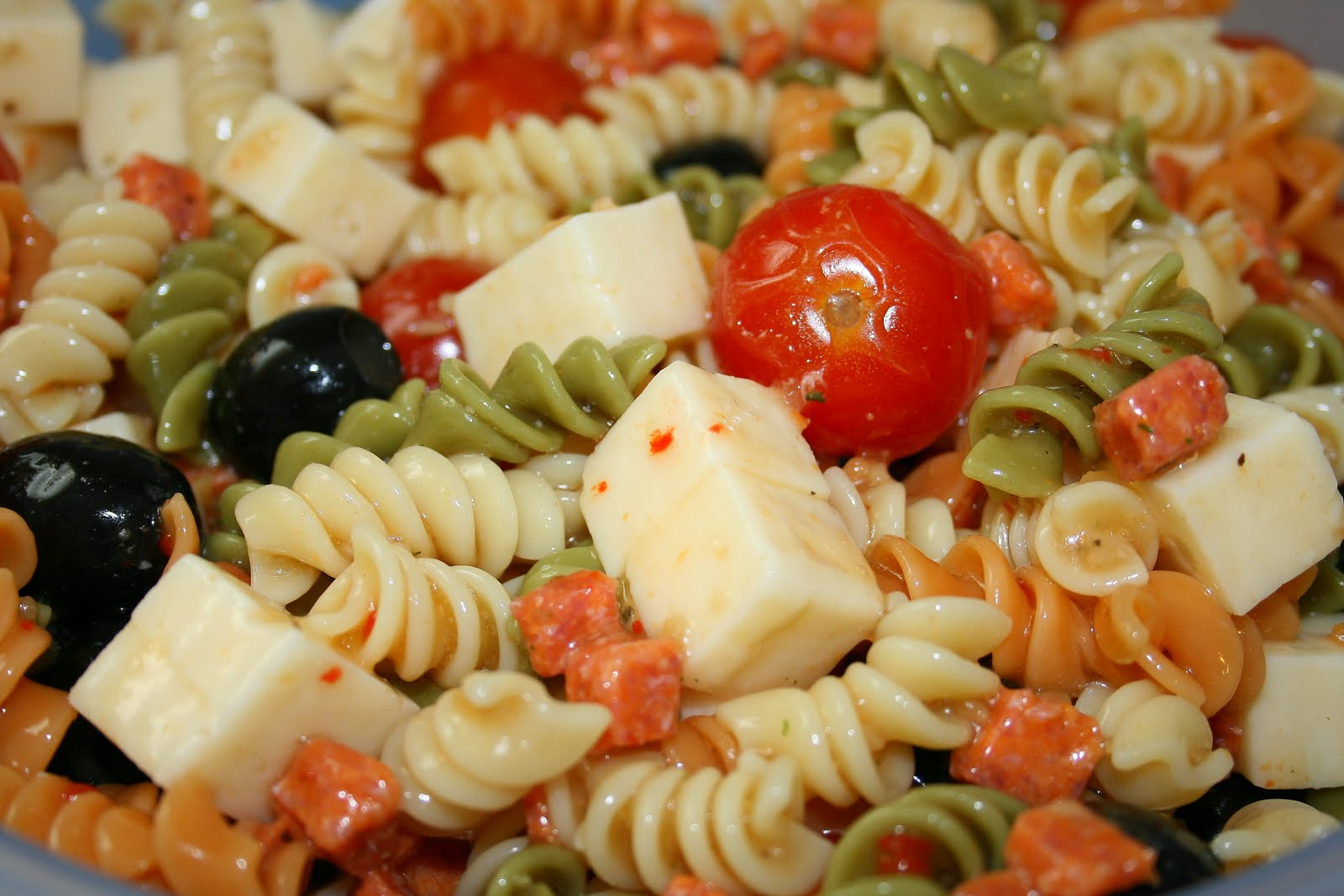 Jolts & Jollies: Easy Party Pasta Salad