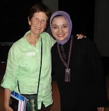 Ohio University, Ibu Elizabeth Collins Tercinta: Marissa Haque