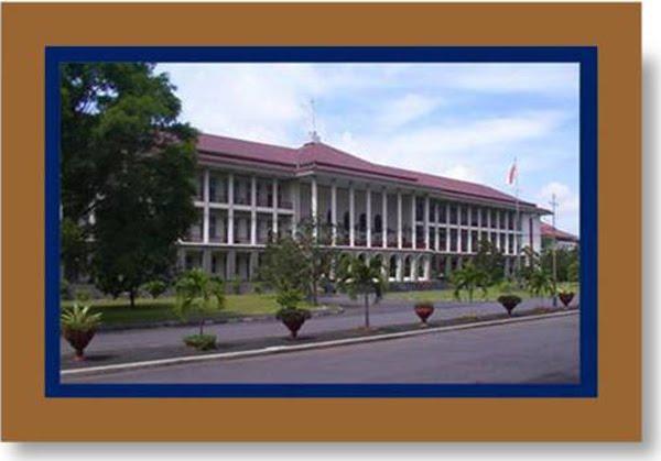 UGM (Universitas Gajah Mada)