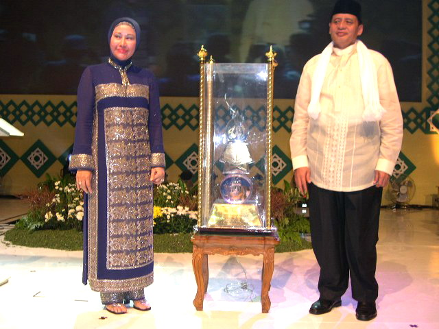 Pertarungan Wahidin Halim dan Ratu Atut Chosiyah Walikota Tangsel 2010
