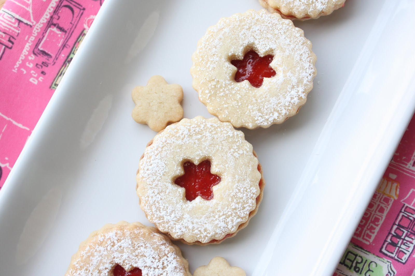 Munchkin Munchies: Strawberry Jam, Linzer Cookies, and Giveaway WINNER!