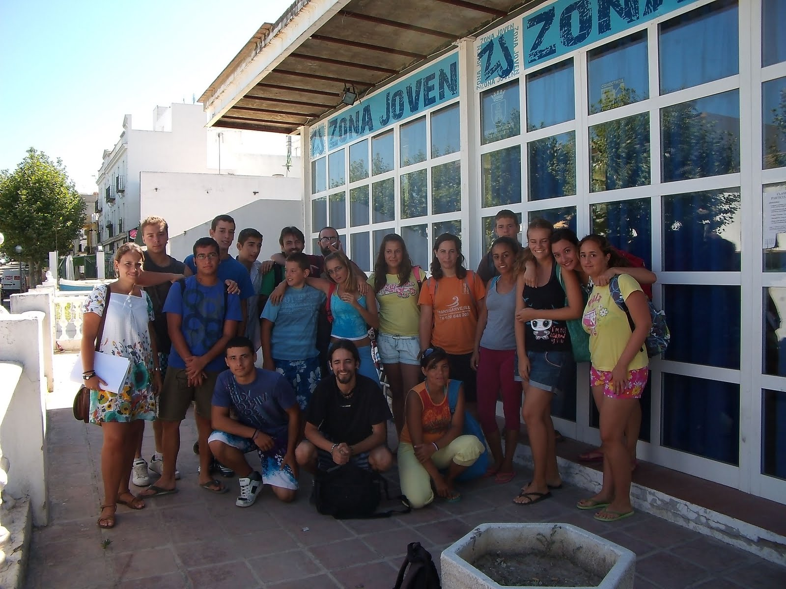 Villamartin cultural julio 2010 for Piscina municipal chipiona