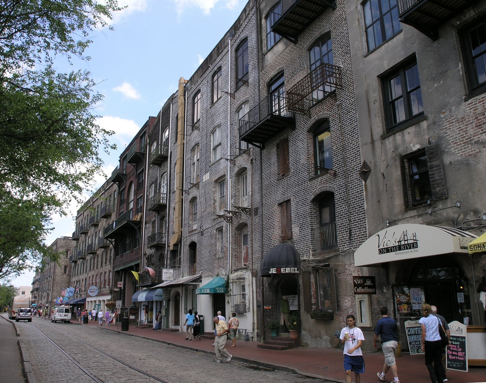 savannah ga gifts & things. shopping. shop savannah antiques art galleries boutique shops books coffee & desserts consignments electronics florist gift shops gowns & tuxes grocery stores jewelry stores kid's clothing men's clothing music stores pets, dogs & cats.