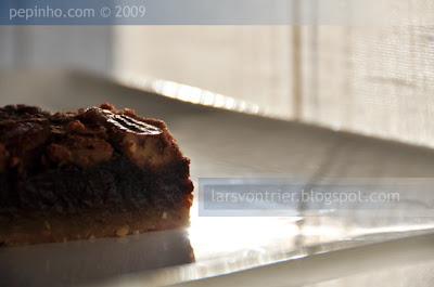 Tarta de chocolate, pecanas y sirope de lavanda (o arce)