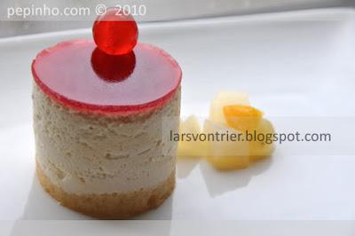 Pastel multifruta con manzana caramelizada