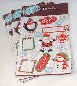 ONLY 99P **BARGAIN** Beautiful Me To You Christmas Mini Pegs for cards /& crafts