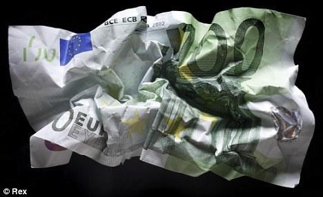 http://3.bp.blogspot.com/_k-T00j1sycM/TR-B_tzdTjI/AAAAAAAAEU8/SZaNFY7aC2A/s1600/euro-collapse.jpg