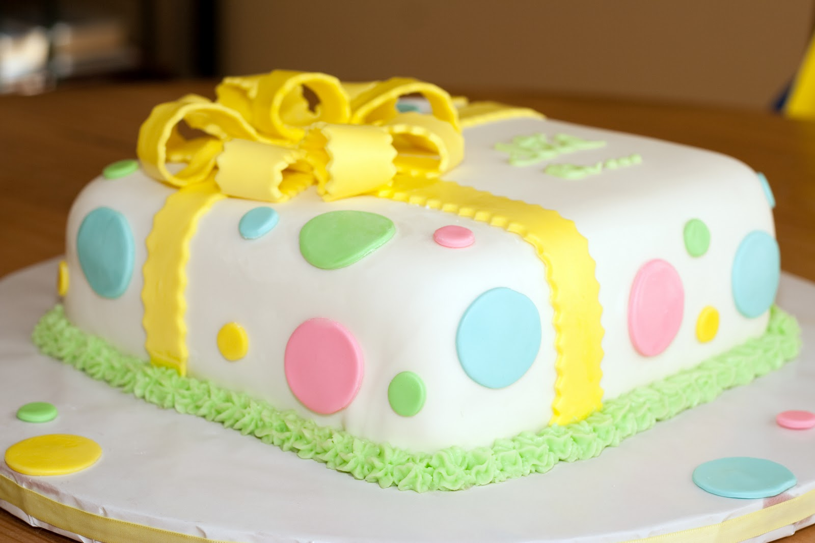 Cakes by Nicola: Gender Reveal Cake