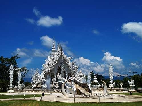 Amazing White Tample, Wat Rong Khun at Chiang Rai, Thailand
