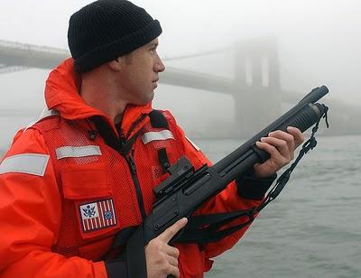 Militares en accion Coastie870