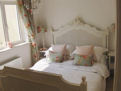 Porch light interiors irish real estate for Celtic bedroom ideas