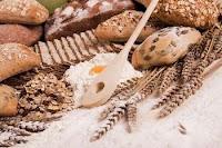 Des aliments qui contiennent du gluten.