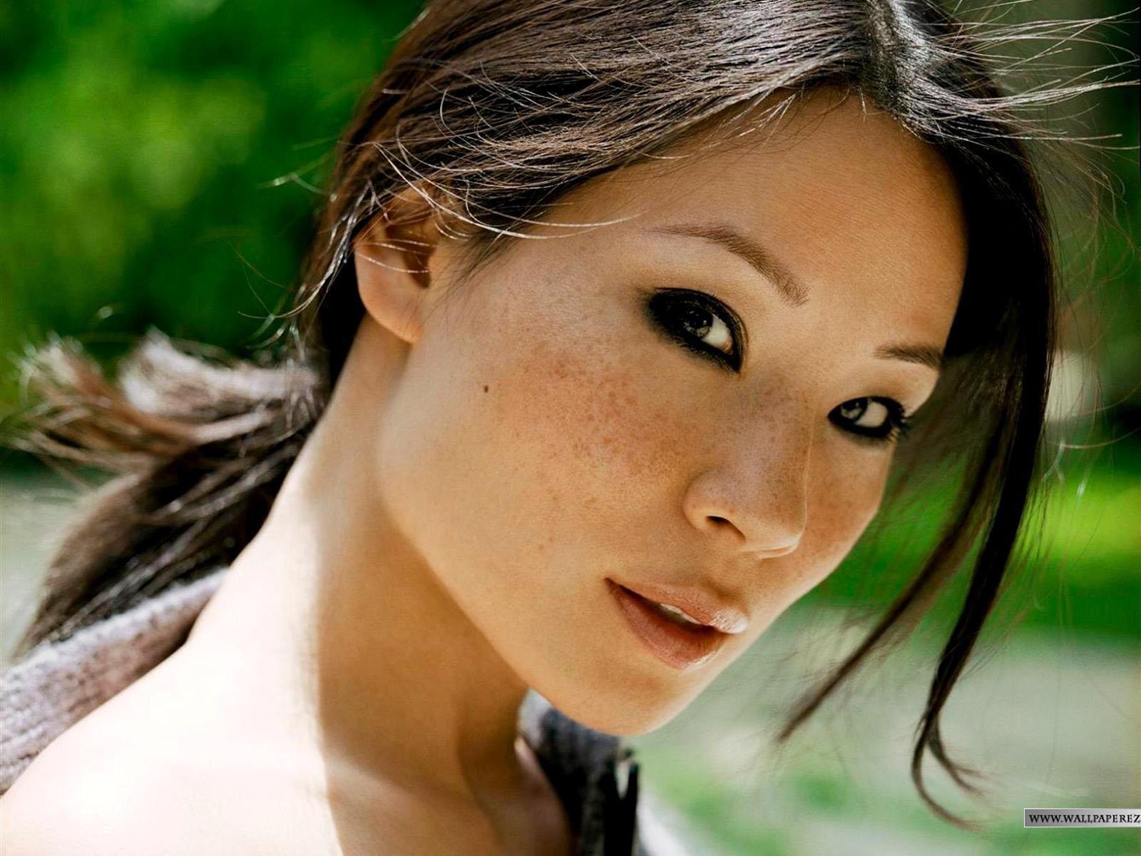 http://3.bp.blogspot.com/_k0qcqtNtpOY/S9DW9KLc_LI/AAAAAAAALcE/iduFqmXsv8g/s1600/Lucy-Liu-109.jpg