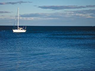 La hora azul del atardecer mediterráneo