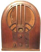 Brown cathedral-style Philco radio from the 1930s