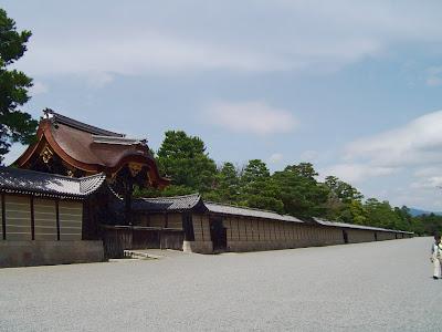 京都御所・宜秋門(ぎしゅうもん)