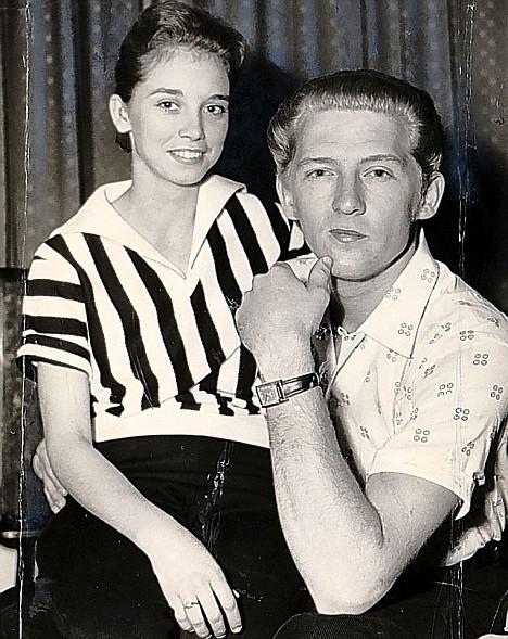 ג'רי לי לואיס ובת דודתו/אשתו בת ה-12, מיירה. Getty images