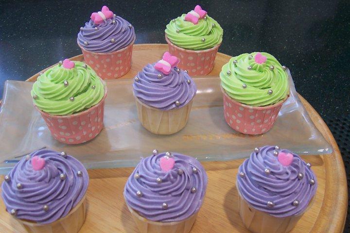Cheezy vanilla cupcakes..