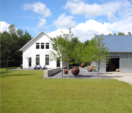 Black Eiffel Farmhouse Style Architecture