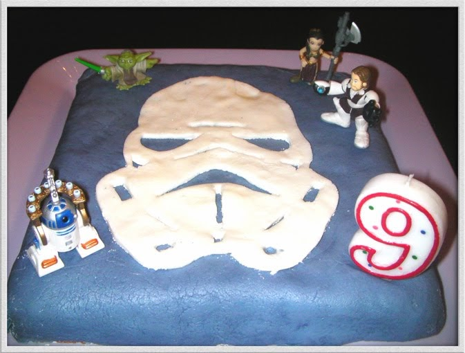 la grenouille a grosse bouche gateau d anniversaire star wars. Black Bedroom Furniture Sets. Home Design Ideas