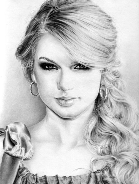 Beautiful Pencil Drawings of Women