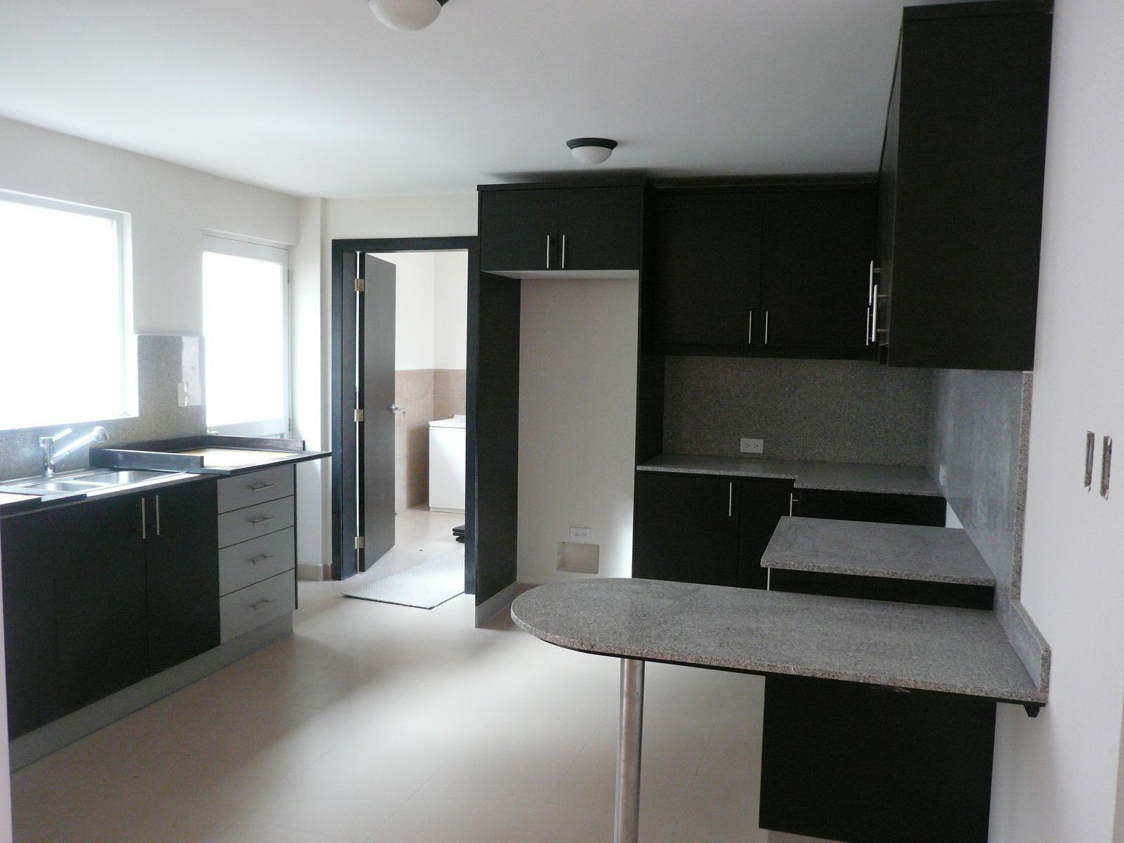 Griferia Para Baño Importada: cocina con muebles y mesón de granito grifería de excelente calidad