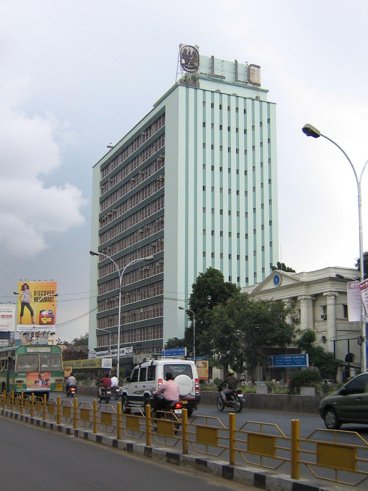 http://3.bp.blogspot.com/_k6WCJdcuQ9Y/TCYO0YyFxRI/AAAAAAAAAzo/0RezLLOiIVY/s1600/LIC_building,_Chennai-2.jpg