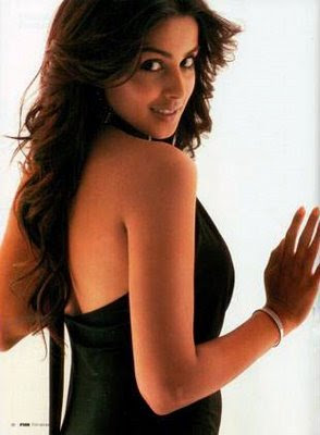 Genelia Back Nude very hot Picture