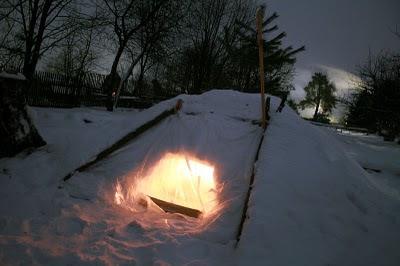 Ночёвка в снежной пещере