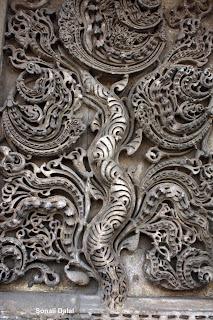 Jama masjid : Kalpavriksha design