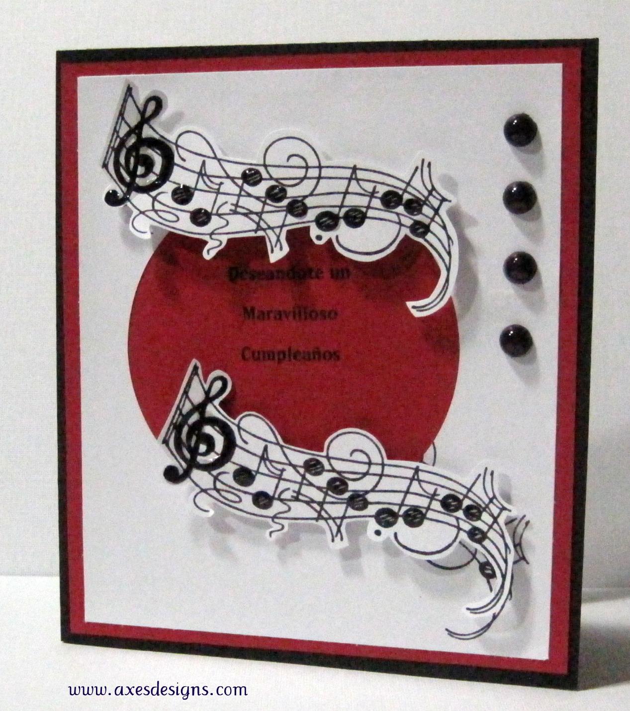 algo sencilla musical como siempre ya que le encanta la musica