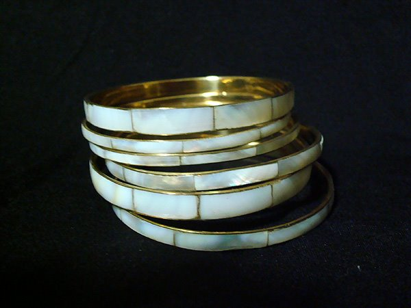 [061209+Gold+Ivory+Bangle+Set+Pile]