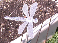 dragonfly solar garden light
