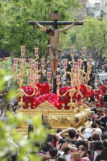 http://3.bp.blogspot.com/_kBZNUtH7UTs/S7sC-Gflb_I/AAAAAAAABOw/oe2glUbRhzA/s1600/fiestas-semana_santa-sevilla-san_bernardo-img-1.jpg